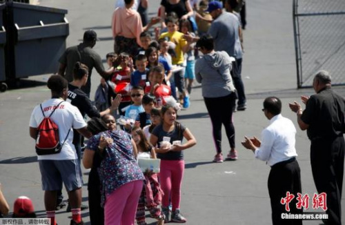 美国加州校园枪击案已造成3人死亡 一学生受伤