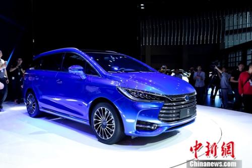 比亚迪携王朝概念车亮相上海车展 宋7座版全球首发