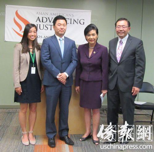 赵美心(右2)和亚美公义促进中心执行长郭志明(右1)共同呼吁华人尽快入籍。(美国《侨报》/记者翁羽 摄)