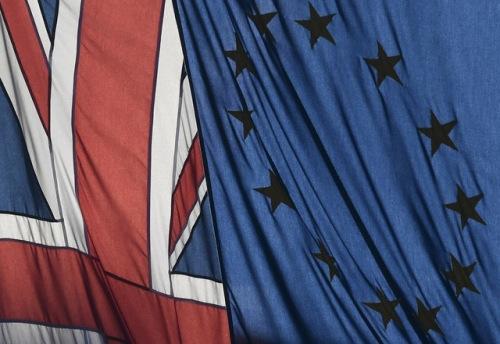 资料图:英国与欧盟旗帜