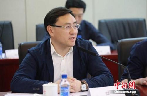 百代旅行创始人、国家人文历史杂志社总编辑王翔宇主持会议