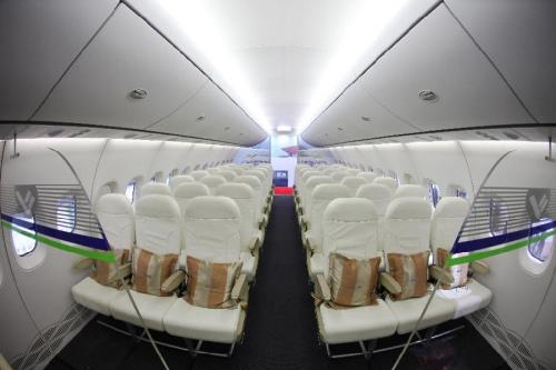 图为驾驶舱照片。图片来源:新华网
