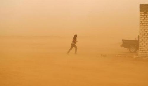 资料图:沙尘天气