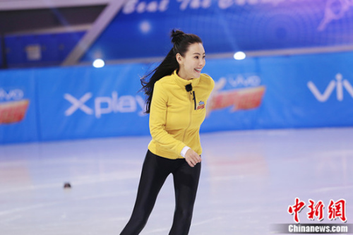 张柏芝与世界冠军同台竞技十分兴奋。