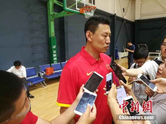 李楠接受媒体采访