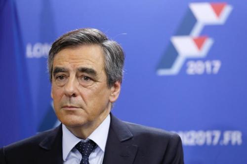 资料图:法国前总理菲永。(图片来源:路透社)