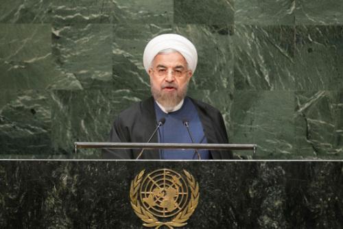 伊朗大选两候选人退出 民调显示鲁哈尼强势领跑