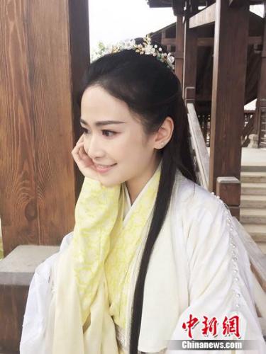 刘美彤饰纳兰嫣然