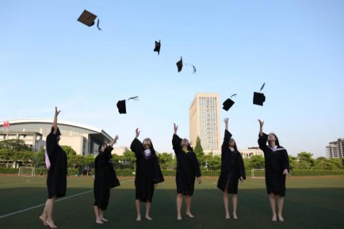 图为浙江水利水电学院95后毕业生。周俞杭同学供图