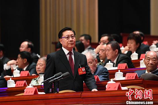 图为5月27日上午,参会的王东明。 中新社记者 张浪 摄