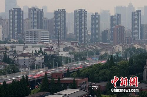资料图:南京楼盘。 中新社记者 泱波 摄