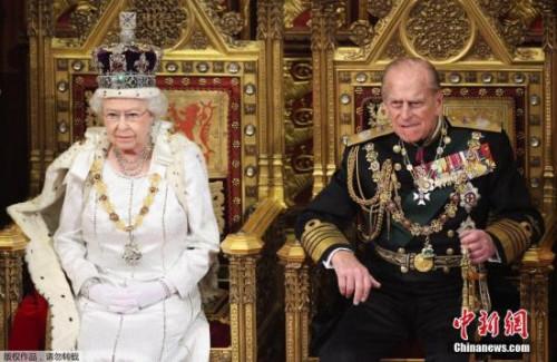 资料图:英国女王夫妇