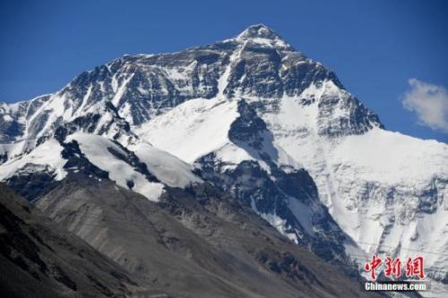 """全球变暖削减珠峰实际""""身高""""?尼泊尔拟重新测量"""