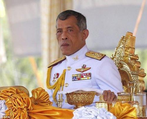 泰国王在德国遭两名少年空气枪攻击无人受伤