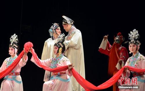 昆曲《牡丹亭》在艺术之都巴黎上演。