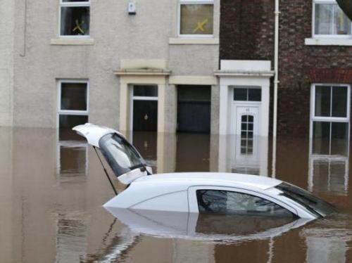 日本秋田县遭遇创纪录暴雨天气 河水存泛滥风险