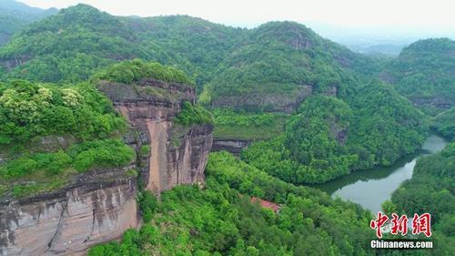 航拍江西名山瑞金罗汉岩 风景秀丽宛若山水画卷