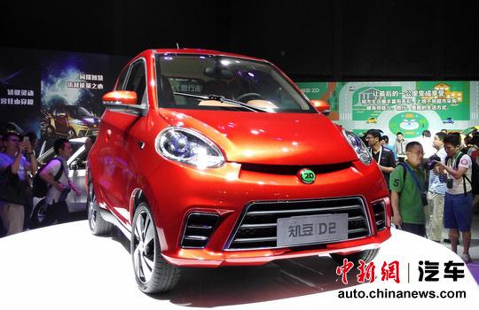 知豆D2純電動車上市補貼后終端售價4.98萬元