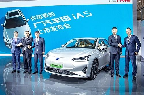 广汽丰田量产纯电轿车iA5发布补贴后售价16.98万元起