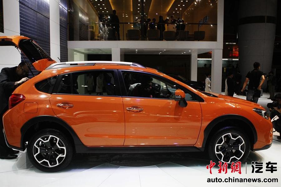 车展 首发-斯巴鲁在本次车展上发布的SUBARU XV是今年4月上海国际车展上...