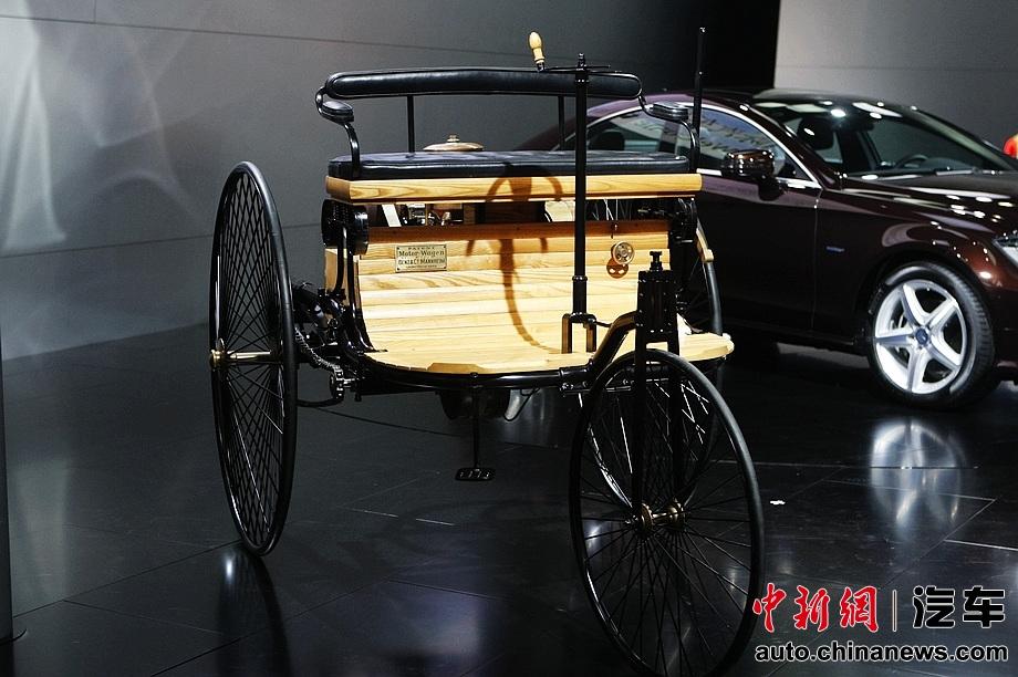 世界第一辆汽车 奔驰三轮机动车亮相广州车展