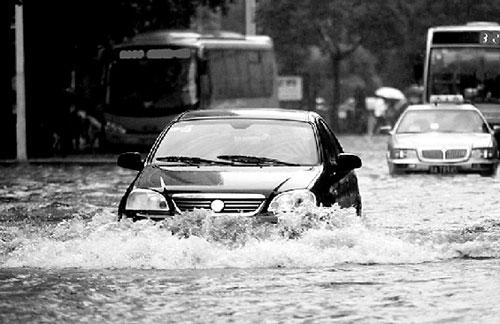 多雨地带 发动机涉水险不能少