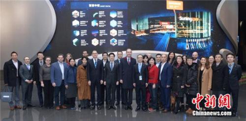 美国驻沪总领事汉斯科姆到访苏宁寻求合作机会