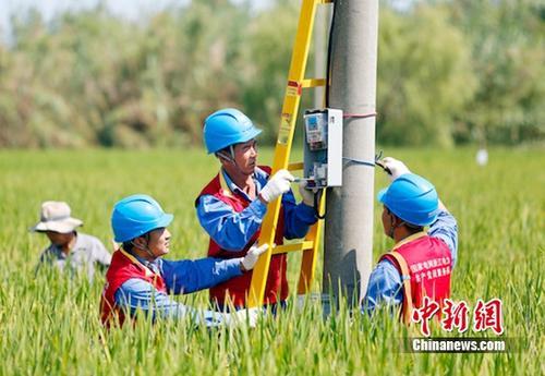 供电公司助力美丽乡村建设