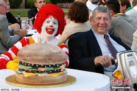 麦当劳出售中国业务外资餐饮混不下去了?