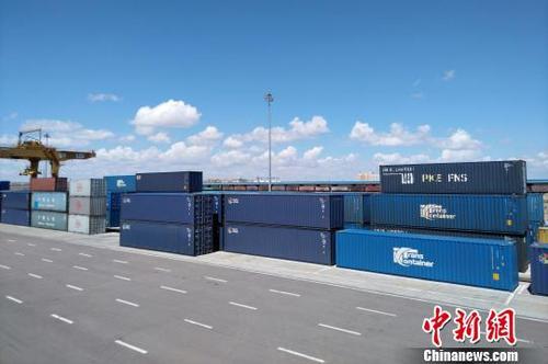 大连港中欧班列货运量大幅增长将开通直达斯洛伐克班列