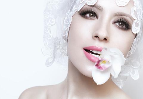 新娘最美的别样唇情(图)(3)--中新网情趣用品大全玩具图片
