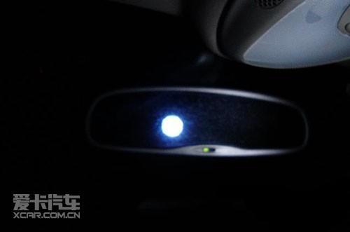 首页 新闻中心 汽车新闻     七,自动防眩目后视镜   在城市夜间行驶