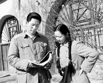 毛泽东的故事 青山处处埋忠骨 的文章 快 青山处处埋忠骨 这篇课文以