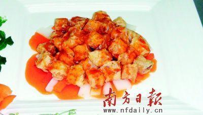 八珍咕噜肉    菜品提供:鲤鱼门海鲜酒楼   菜品采用八珍甜醋,肥