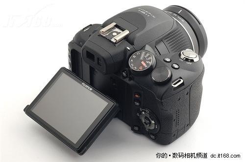 百变金刚 2010年5大降价上榜率最高相机(6)