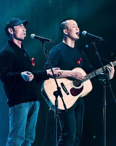 近日被《春天里》词曲创作者,著名歌手汪峰要求停止未经授权在商业