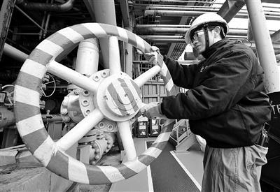 结构调整势在必行 炼油行业面临转型升级新契机