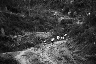 农村小学12年减一半 撤点并校被指引发系列问题 - 灌水渔人 - 江苏灌南梁杰的博客