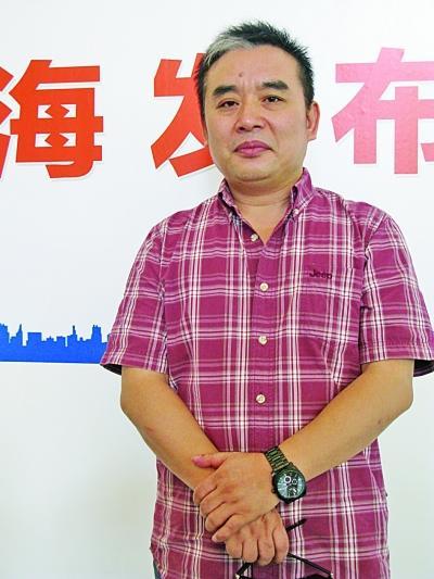 王跃文作品_新闻中心 文化新闻    日前,王跃文偕新版\