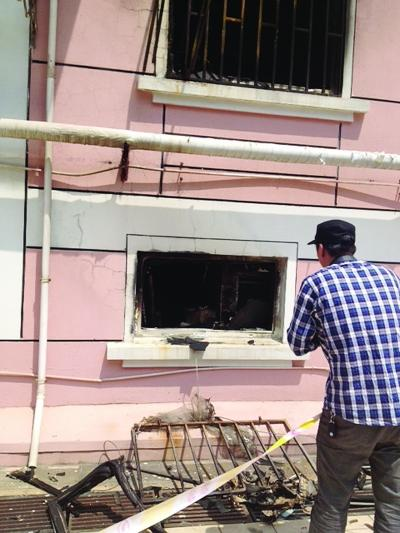 苏州一棋牌室夜发大火8死2伤 现场还有爆炸声