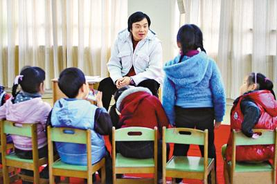 """学唱沪语童谣 上海幼儿园试点教学""""侬""""""""阿拉"""""""