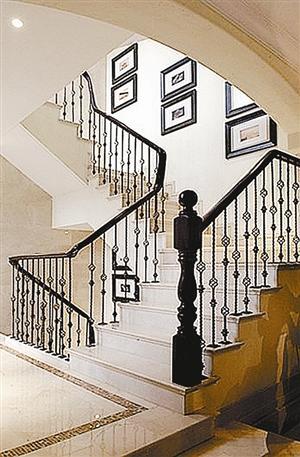 旋转的空间 现代简约楼梯打造小复式(图)