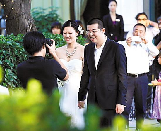 新闻中心 文化新闻    著名作家兼编剧王朔的女儿王咪前日在北京举行