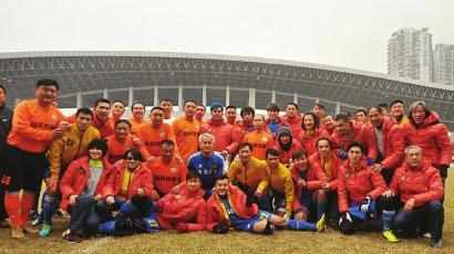 香港明星队来内地比赛 雪梨等TVB女星组啦啦队