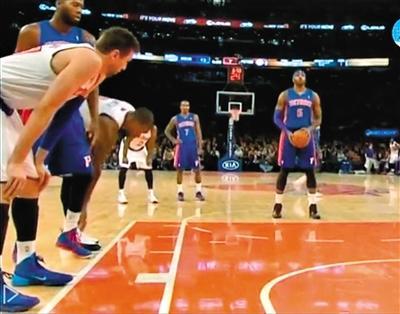 JR-史密斯解对手鞋带创NBA历史 总惹事或被送