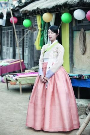 韩国 韩服/秀智在电视剧《九家之书》中有韩服造型,显得十分清雅。...