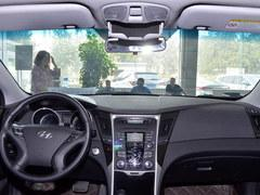 索纳塔八全系优惠3万元 局部现车在售中