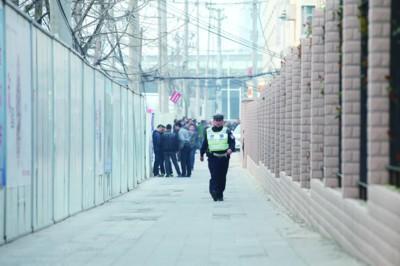 高清图—合肥蜀山区西园街道办公楼检察院宿舍发生人质事件