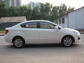 华晨中华 1.5L 手动 车辆正右边