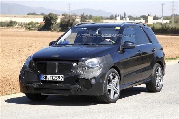 或巴黎车展发布 奔驰新款ML63 AMG谍照